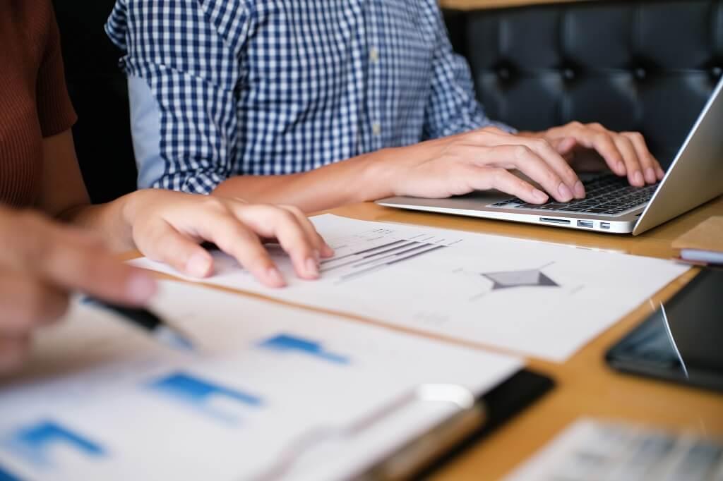 analise financeira ao abrir uma franquia
